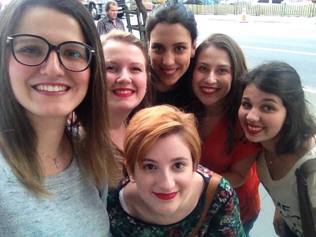 Nesse domingo fui comemorar meu aniversário com as minhas queridíssimas amigas em um delicioso almoço na Avenida Paulista. Tempo muito bem aproveitado para praticar o respeito mútuo entre nós, que temos opiniões políticas divergentes.